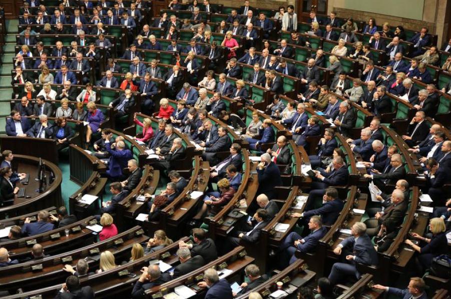 Sejm uchwalił ustawę o eliminowaniu nieuczciwych praktyk handlowych