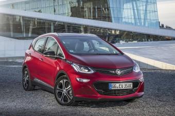 """Nowy Opel Ampera-e wybrany """"Najlepszym produktem 2017 roku"""""""