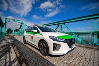 EcoCar wprowadza do Wrocławia  nowe taksówki IONIQ Hybrid marki Hyundai