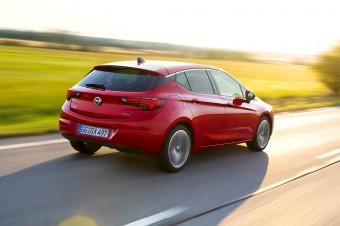 """Opel Astra: 500 000 zamówień na """"Samochód Roku 2016"""""""