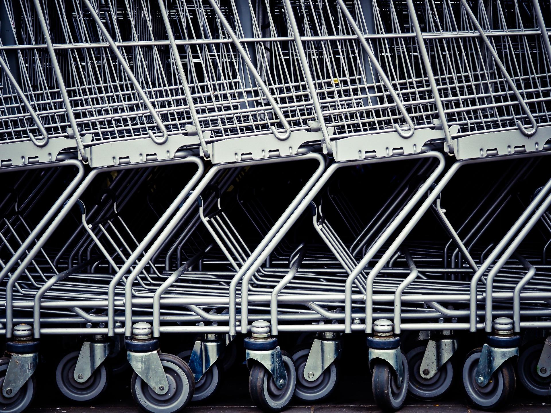 Ograniczenie handlu w niedziele szkodliwe społecznie i ekonomicznie