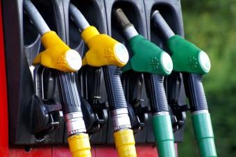 W 2018 zapłacimy więcej za paliwo