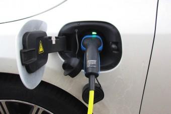 Sejm skierował projekt ustawy o elektromobilności do komisji (relacja)