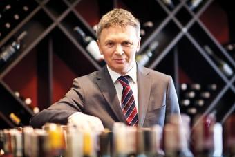Wywiad z Robertem Ogórem, Prezesem Zarządu AMBRA S.A.