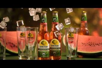 Arbuzowe lato w nowej reklamie Somersby Watermelon
