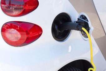Co zrobić, żebyśmy kupowali auta elektryczne? Wyniki badania rynku - wiosna 2018