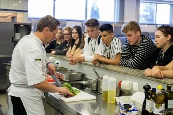 Ponad 200 uczniów szkół iwzięło udział w Dniu Kariery zorganizowanym w Akademii Inspiracji MAKRO