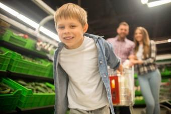 Duża półka dla małych konsumentów