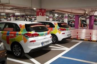 Auta 4Mobility przy hipermarketach Carrefour Polska