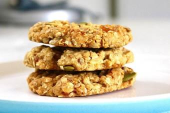 Zdrowe przekąski - Bakaliowe ciasteczka owsiane dla małych i dużych łasuchów