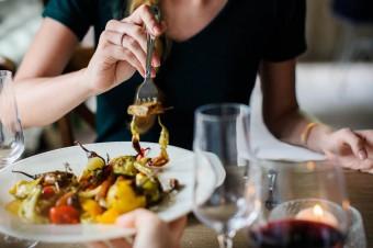 Srebrne tsunami coraz częściej jada w lokalach gastronomicznych