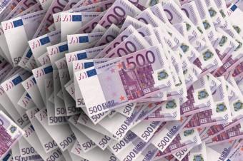 Protekcjonizm i wojny handlowe USA hamują wzrost euro i złotówki
