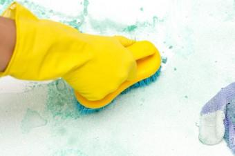 To straszne mydło! Jak sobie radzić z mydlanym osadem?