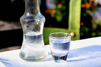 Producenci wódki grają sklepami