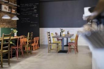 Sfinks z restauracją Fabryka Pizzy w Krakowie