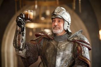 George Clooney łamie zasady czasoprzestrzeni, aby zdobyć filiżankę ulubionej kawy Nespresso