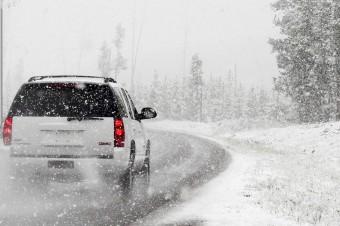Czy chcesz spotkać na swojej drodze samochód na letnich oponach?