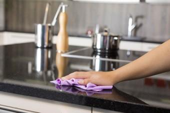 Szybkie porządki przed Świętami: posprzątaj mieszkanie w tydzień