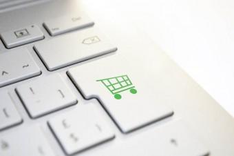 Polski rynek e-commerce nie zwalnia tempa. Do zgarnięcia są miliardy złotych