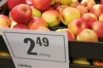 Sklepy rekordowo promują jabłka. Ale nie ma to żadnego przełożenia na ceny