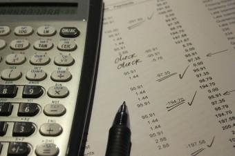Firmy narzekają na opóźnienia w płatnościach. Najbardziej cierpi handel