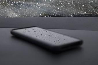 Nanopowłoka sprawi, że smartfony będą odporne na wodę nawet po uszkodzeniu ekranu