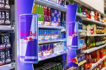Innowacyjna komunikacja marki Red Bull przy półce zrealizowana przez in-Store Media Polska w Carrefour
