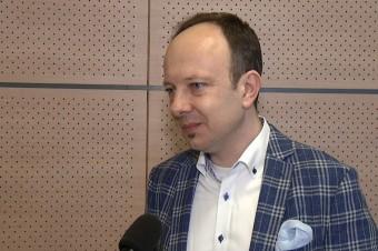 """Realizacja """"piątki Kaczyńskiego"""" może być problemem dla budżetu już w przyszłym roku"""