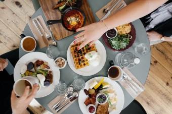 Co na śniadanie? Najpopularniejsze produkty śniadaniowe wgazetkach promocyjnych