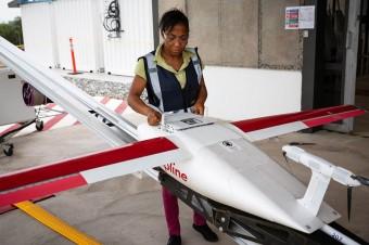 Fundacja UPS wspiera wprowadzenie największej sieci transportu szczepionek za pomocą dronów w Ghanie