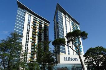 Hilton rezygnuje z jaj klatkowych na całym świecie