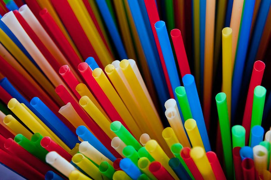 UK przyjęła dyrektywę w sprawie plastikowych jednorazówek