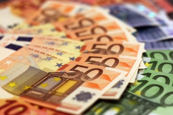 Polsce poza strefą euro grozi marginalizacja