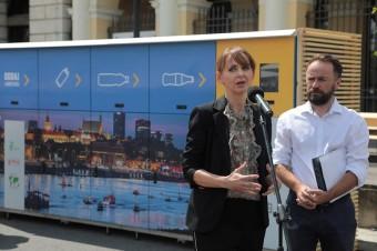 W Warszawie stanęły recyklomaty ufundowane przez firmę Coca-Cola