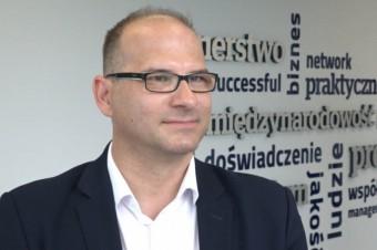 Ponad połowa firm w Polsce musi ograniczać inwestycje przez braki kadrowe
