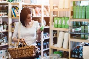 Zakupy w tygodniu, w sobotę czy przez internet? Skutki ograniczenia handlu w niedzielę – raport