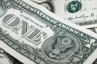 Inwestorzy zostają przy dolarze. Amerykańska gospodarka hamuje wolniej niż strefa euro