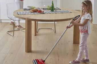 Domowe porządki z dzieckiem, czyli jak rozpocząć lekcje sprzątania