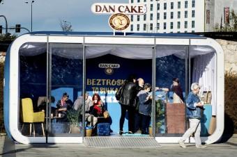Dan Cake dzieli się smakiem beztroski i ma 100 tys. bułeczek mlecznych do rozdania