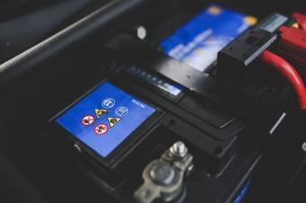 Niesprawne akumulatory odpowiadają za prawie 40 proc. awarii samochodów