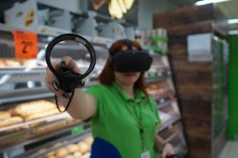 Pracownicy w Biedronce wchodzą w wirtualną rzeczywistość