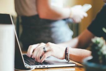 Ponad 40 proc. Polaków korzysta już z e-usług administracji