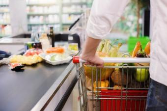 Czy klienci branży spożywczej przy kasach zapłacą za droższy prąd dla biznesu?